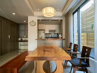 Dining room by 世家新室內裝修公司, Classic