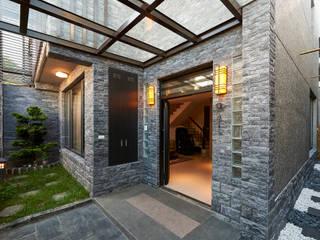 Casas de estilo  por 世家新室內裝修公司