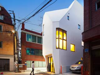 (주)건축사사무소 더함 / ThEPLus Architects Negozi & Locali commerciali moderni