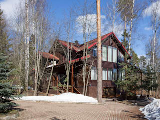 Дом с элементами шале Дома в стиле кантри от ARK BURO Кантри