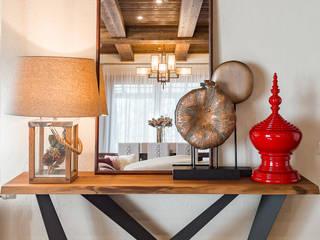 Дом с элементами шале Коридор, прихожая и лестница в эклектичном стиле от ARK BURO Эклектичный