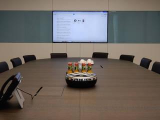 Konferenzraum mit Medientechnik Moderne Bürogebäude von Ingenieurbüro Mike Frajese - if2000 Modern