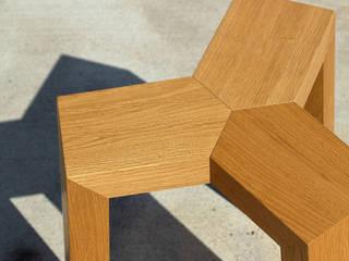 Treepod Stool: modern  door Marco Tabak, Modern