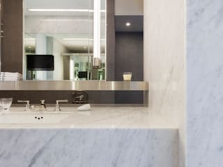 高宅 - Kao Residence:  浴室 by  何侯設計   Ho + Hou Studio Architects
