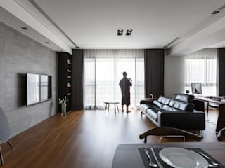 在客廳男主人:   by 一水一木設計工作室