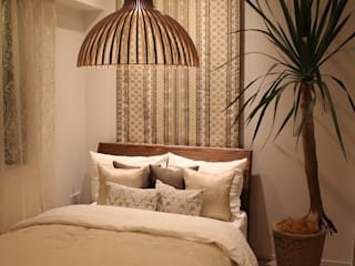 85inc. Eclectic style bedroom Wood Beige
