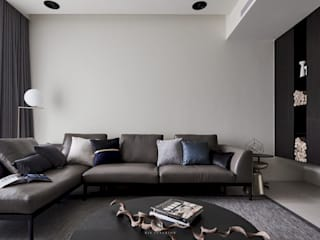 理絲室內設計有限公司 Ris Interior Design Co., Ltd. Living roomSofas & armchairs Grey