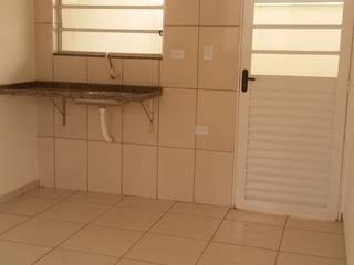 Antes e depois - casa em condomínio residencial Villagio Di Firenze, ambientes de cozinha, jantar, estar, quartos e banheiro. Cozinhas ecléticas por PRISCILLA BORGES ARQUITETURA E INTERIORES Eclético