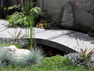 Jardines de estilo moderno de F'CHASTA CRÉATIONS Moderno