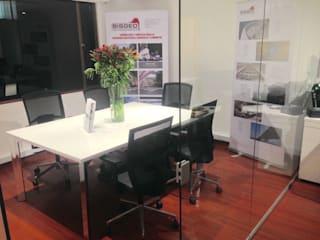 Diseño Oficinas Sisgeo de SmartWork Moderno