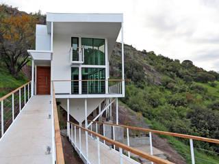 VENDO EXCLUSIVO LOFT CERCANO A SANTIAGO VISTA PANORAMICA Casas de estilo mediterráneo de Directorio Inmobiliario Mediterráneo