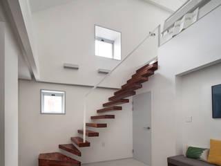 (주)에이도스건축사사무소 Modern houses