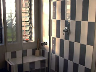 Ilkley Road:  Bathroom by Ininside, Modern