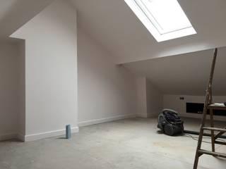 Dormitorios de estilo  de Spaceout, Moderno