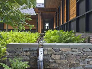 No one else could have done it any better Moderne Veranstaltungsorte von Ecologic City Garden - Paul Marie Creation Modern