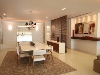 Apartamento Av Lucio Costa - Barra da Tijuca Salas de jantar modernas por Arquinovação - Projetos e Obras Moderno