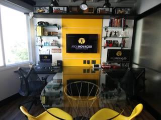 Sala dos Arquitetos: Escritórios  por Arquinovação