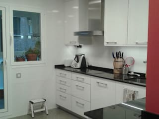 Cozinhas modernas por M.Angustias Terron Moderno