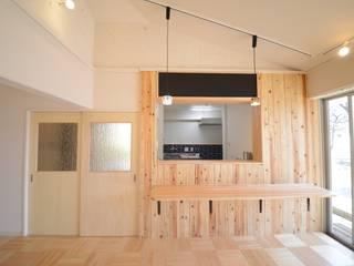 カフェ風に仕上げたキッチン: 株式会社フロッグハウスが手掛けたキッチンです。