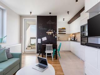 Cocinas de estilo moderno de Kameleon - Kreatywne Studio Projektowania Wnętrz Moderno