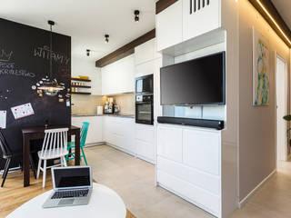 Moderne Küchen von Kameleon - Kreatywne Studio Projektowania Wnętrz Modern