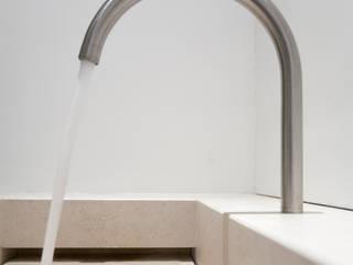 minimalist  by homify, Minimalist Limestone