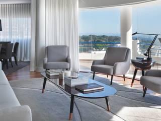 Apartamento Cascais: Remodelação total e Decoração /Cascais Penthouse: Total Remodeling and decoration:   por IN LIGHT - Concepção de Espaços, Lda.,Eclético