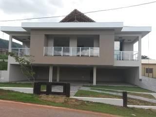Casa em Mário Campos MG: Casas  por ALLS Engenharia e Arquitetura LTDA,Eclético