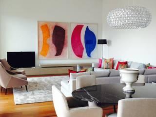 Projecto de Decoração / Decoration Project: Chiado_Lisboa: Salas de estar ecléticas por IN LIGHT - Concepção de Espaços, Lda.