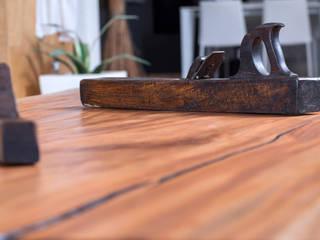 Tavolo Tronco di Mogano:  in stile industriale di Bruno Spreafico, Industrial