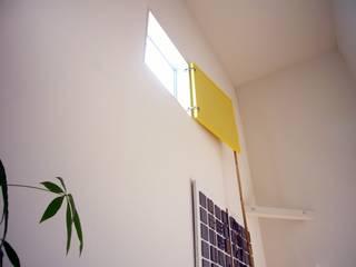 久里浜の家 ミニマルデザインの リビング の 小形徹*小形祐美子 プラス プロスペクトコッテージ 一級建築士事務所 ミニマル