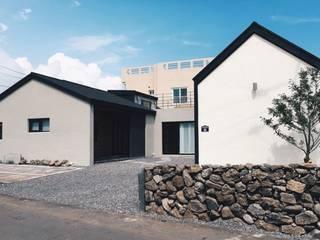 Casas estilo moderno: ideas, arquitectura e imágenes de YP(Yellow Paper) Moderno