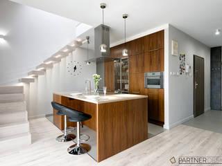 Mieszkanie z Antresolą: styl , w kategorii Kuchnia zaprojektowany przez Partner Design