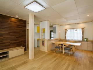 T様邸: 小栗建築設計室が手掛けたリビングです。,オリジナル