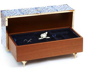 Guilty | Caixa de Jóias | Jewel Box: Closets  por Bat eye