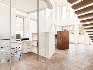 Eingangsbereich:  Flur & Diele von Hübner Architekten