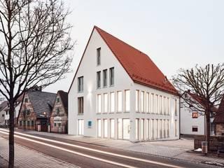 Zahnarztpraxis Dr. Daut: moderne Häuser von Hübner Architekten