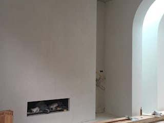Coach House Amsterdam (06) Under Construction 2017:  Woonkamer door Jen Alkema architect,