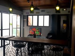 Cozinhas rústicas por TM&LH_ arq.arte - Tatiana Moraes e Lucia Helena Rústico