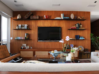 Living room by daniela kuhn arquitetura