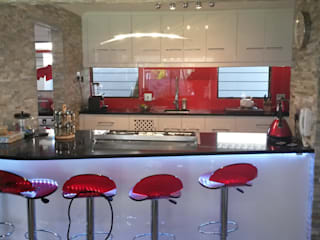 Modern Gloss Kitchen Modern kitchen by SCD Group Modern