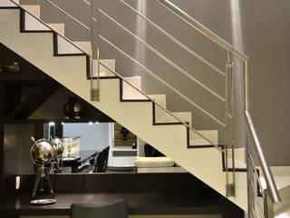 Oficinas de estilo moderno de Fabiana Mazzotti Arquitetura e Interiores Moderno