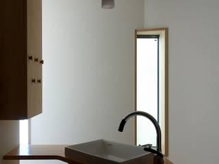 深沢の家 モダンスタイルの お風呂 の 小形徹*小形祐美子 プラス プロスペクトコッテージ 一級建築士事務所 モダン