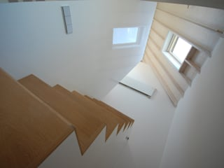 Villa Loosdrecht Moderne gangen, hallen & trappenhuizen van ARK+ Modern