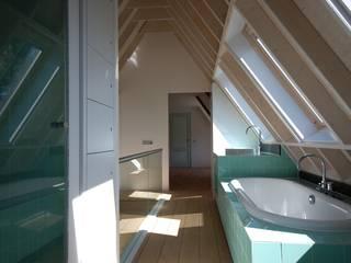 Villa Loosdrecht Moderne badkamers van ARK+ Modern