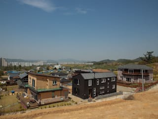 Houses by 구름집 02-338-6835, Modern