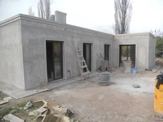 Habitaciones con salida a una galería lateral: Garajes de estilo mediterraneo por Hornero Arquitectura y Diseño
