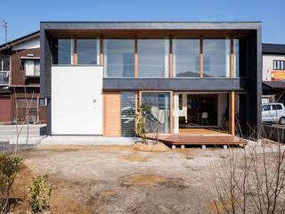 Casas de estilo moderno de 建築設計事務所SAI工房 Moderno