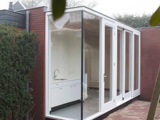 Tuinhuis Lisse Moderne studeerkamer van VAN SCHIE ARCHITECTEN Modern
