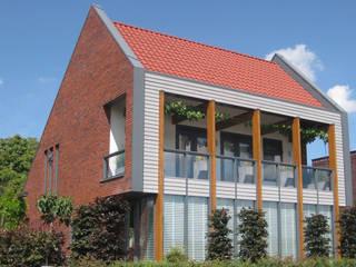 Woning Park Oost, Leidsche Rijn:  Huizen door Architectenbureau van den Hoeven b.v., Modern